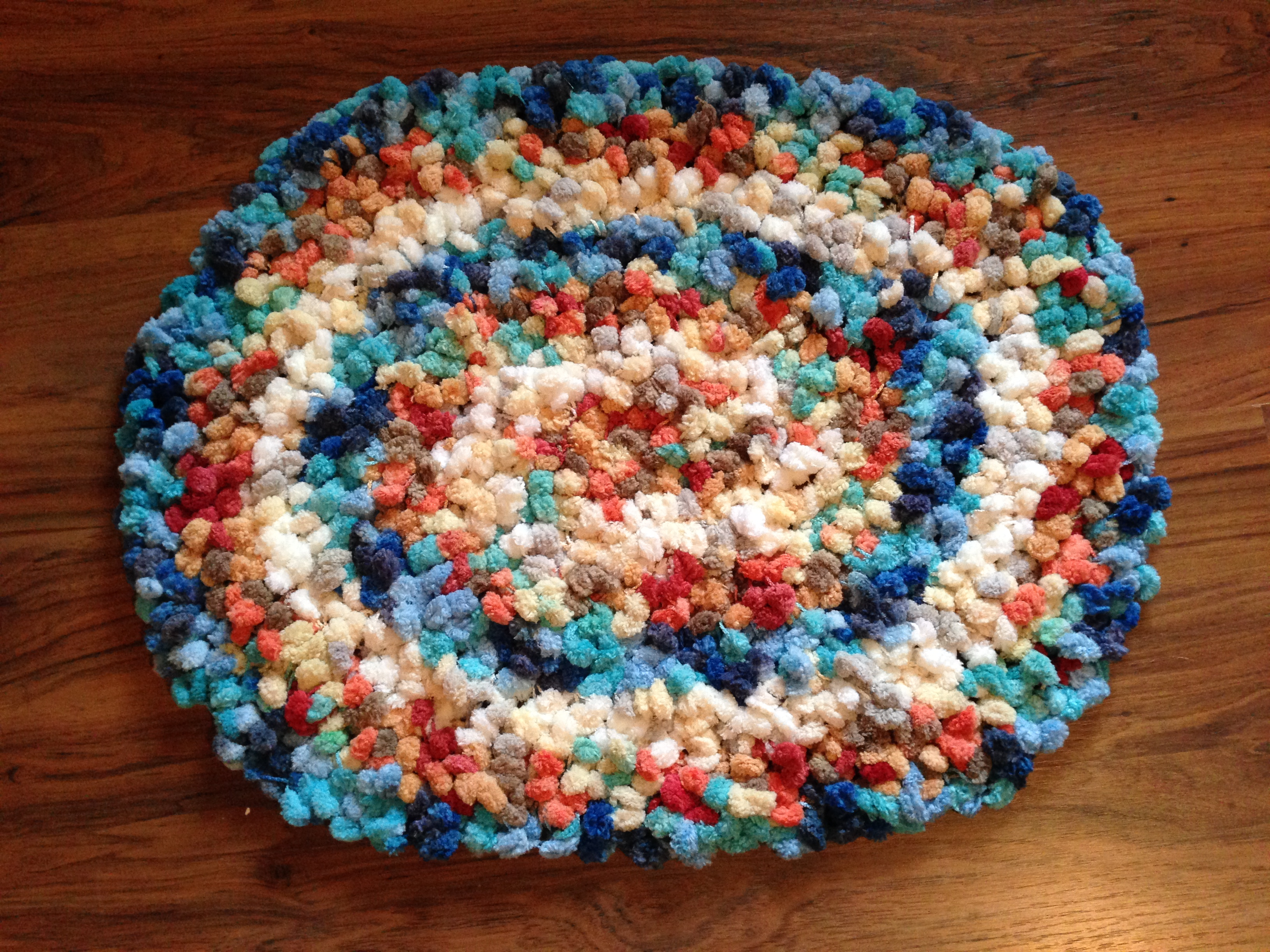Crochet Patterns Loops And Thread Yarn : Simple & Fun Rug Made With Yarn Scraps Simply Angie